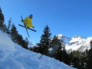 Raúl Revuelta nos habla desde Sölden, en el Tirol Austriaco. Freeride, Freestyle, Skicross, Backcountry… cada vez más disciplinas y estilos, Carlos Delgado nos las explica.